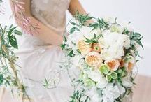 Peach Perfect / by Vintage Wedding Love