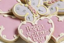 Mother's Day / Spoil your mum this Mother's Day. Whether it's making her breakfast in bed, giving her some flowers, or baking a special cake, show her just how much you care.
