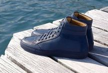 Primo Atlantico / When a friend met us for coffee wearing head-to-toe navy, a light bulb went off. The result was a GQ-featured, completely monochrome shoe, with soles and laces in the same deep blue.