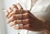 Colli hands & nails