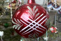 Vintage Christmas ornaments / I like my ornaments to tell a story. I've amassed a decent collection and I am always surprised how beautiful they look all hung on the tree.