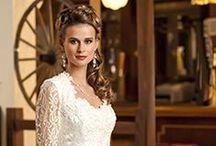 Vintage Gowns / Vintage wedding gowns and bridesmaid dresses. www.WeddingandEventMagazine.com