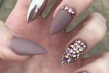 Körmök/ Nails / Körmök/ nails