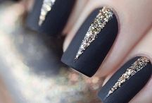 Pretty nails. Yes please.