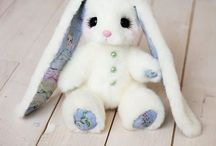 Piglette toys / Amazing bunnies made by Alena Nikitina. I wish one of them could be mine!❤️