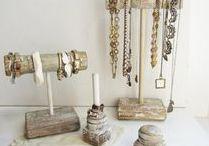 Displays for bracelets, necklaces, rings