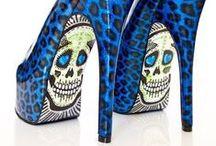 Zapatos curiosos / La fantasia no tiene limites cuando hablamos de zapatos extravagantes, curiosos, imposibles, horribles y simpaticos. Te atreves?