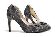 Festliche Schuhe für Damen / Für besondere Anlässe wie zum Beispiel Weihnachten oder Silvester sollten die Schuhe der Frauen natürlich besonders festlich sein und aus der Masse hervorstechen. Hier findest du genau solche Schuhe und dazu passende Accessoires und Styles.