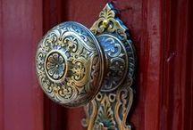 Door details / Doors details, door knob and door knocker. Дверные ручки и детали дверей.