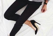 Feminine Pumps - 2015 / Es gibt keinen so unvergleichlich femininen Schuh für Frauen, wie Pumps. Bei Clarks finden Sie eine große Auswahl bequemer Pumps, die zu jedem Fuß passen. Wir bieten tolle Kollektionen in modischen Farben bis hin zu klassischen Looks - für den Alltag ebenso geeignet wir für den festlichen Anlass. hier findet jede Frau, was Ihr gefällt! Die passenden Pumps für Frauen gibt es unter: http://www.clarks.de/c/damen-pumps