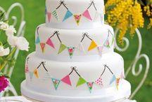 Leanne's wedding cake / Ideas for fanny's cake!