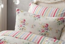 Linens, Cushions And Tablecloths