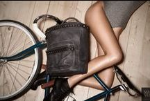 Bike bags collection  (in details) / stylish bike bags & backpacks - bike accessories,    stilvolle Fahrradtaschen & Rucksäcke - Fahrrad-Zubehör - Madame Velo - mmevelo.com