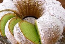 Baking / by Sara Richlie