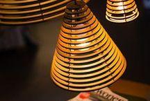 No.28 Cone by Marnix de Stigter - hanglamp lasergesneden hout / De No.28 Cone M straalt als het ware rust uit. Dit Dutch Design is ontstaan vanuit een fascinatie voor de serene sfeer rondom Aziatische tempels. Het ontwerp voor de lamp is geïnspireerd op de hangende spiralen van wierook bij de tempels in Hong Kong.