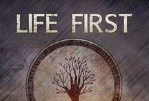 Life First / Life First is RJ Crayton's first novel. It follows Kelsey Reed as she flees a government that plans to take her kidney and give it to someone else.  http://rjcrayton.com