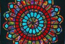 Kaleidoscope Quilts / Quilts featuring a kaleidoscope or similar design eg rose window.