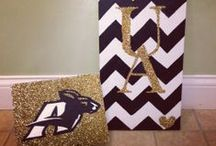 DIY Projects / Zips are great at DIY! Some of our favorite projects from students and alumni showing off school spirit and more.