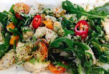 Quinoa healthy & versatile / Quinoa healthy and tasty with a light nutty flavour High in antioxidants vitamins and minerals