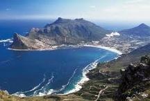 Zuid-Afrika / Kaap de Goede Hoop is de naam van het zuidwestelijkste punt van Afrika en ligt nabij Kaapstad. Het zuidelijkste punt van Afrika is Kaap Agulhas, ongeveer 200 kilometer oostelijker. De eerste Europeaan die deze kaap voorbij voer, was de Portugees Bartolomeus Diaz in 1488.