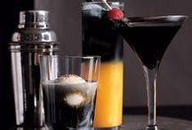 Saber beber / Beber no es solo alcoholizarse o servir jugo de un envase.. Para beber se debe saber combinar los ingredientes en armonía, para que estos logren sorprender y agasajar sigilosamente cada uno de los sentidos..