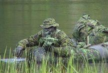 ...στρατιώτες...