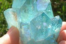 Gems / Shiny rocks for my Gemsonas