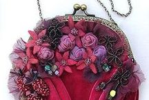 Exquisite Purses / Colorful beads and purses: what a lovely combination!