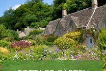 Cottage Gärten / Gemütlich, idyllisch, verzaubert - der englische Cottage Garten trägt einen Hauch von Märchen. Und er kann auch bei Ihnen zu Hause mit ein paar neuen Blumen, Wegen und Gartenelementen entstehen. Lassen Sie sich inspirieren!