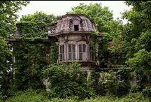 Architektura / Tablica, na której stare spotyka się z nowym, a używane z niezamieszkałym (i czasem nawet nawiedzonym :).