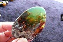 Kamienie i kryształy / Odzwierciedlenia piękna
