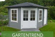 Gartentrend grau-weiß / Wir präsentieren Ihnen unsere schönsten grau-weißen Gartenhäuser und zeigen, warum die moderne Farbkombination ideal für den Anstrich Ihres Häuschens geeignet ist – egal welchen Stil es hat.