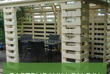 Gartenpavillon selber bauen - aus Weiden und Paletten / Schon einmal versucht, Ihren Gartenpavillon einfach selbst zu bauen? Holen Sie sich hier Inspiration für tolle Pavillon-Ideen zum Selbermachen.