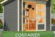 Container Gartenhaus / Das Container Gartenhaus liegt im Trend. Wir zeigen verschiedene Beispiele an Container Gartenhäuser und geben Tipps zur Baugenehmigung, wie Sie einen Container als Gartenhaus umbauen können und kreative Inspiration für Ihr eigenes Containerhaus.