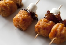 Cuisine: mouthwatering minis & apps / by Merideth Henry