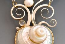 Seashell Style & Fashion / Seashells have inspired fashion and jewellery for centuries..