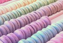 The pastel rainbow / Of course a pastel based board is going to consist mostly of macarons!