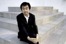 Kengo Kuma / Kengo Kuma es un arquitecto japonés nacido en la prefectura de Kanagawa (Japón), en 1954. Autor de obras de gran importancia, entre ellas el Teatro de la Ópera de Granada.
