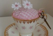 Teacup pincushions / Everybody should have at least one...!