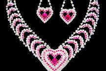 Jewel jewel oh lala ! / Admit it .... you like jewelries right? so come go ahead and pin the gorgeous and amazing jewelries that you like! Happy pinning everyone!! / by ASHRAF