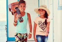 Zalmroze kinderkleding voor het voorjaar 2014! / Zalmroze, een kleur waar we bij Bengels en Ko gek op zijn in de voorjaar/zomer maanden! We zijn dan ook blij dat de voorjaarscollectie van 2014 veel zalmroze items voor meisjes heeft!
