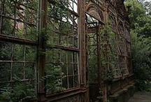 Atriums, conservatories & greenhouses