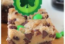 St Patrick's Day Recipes / St Patricks Day Recipes perfect for St Pattys Day parties featuring shamrock shaped recipes, green colored recipes and more!
