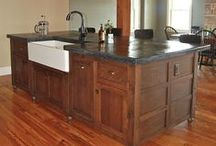 Kitchen / Everything related to kitchen design and decor ideas - cabinets, counters, backsplashes, floor plans, DIY, details for inspiration. #farmhousekitchen | #kitchenorganizing