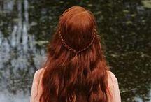Abiti, accessori, trucco e capelli / Abiti, accessori, gioielli, acconciature per capelli e trucco per il viso