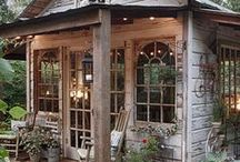 Outdoor Decor / Ideas and inspiration for beautiful outdoor decor and DIY projects. Easy ideas, budget-friendly, things I would love to see around my home.