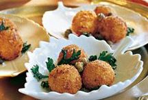 Holiday Seafood Appetizers / Hosting a holiday party? Your guests will love these delicious seafood appetizers.