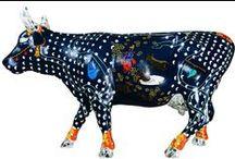 """COW PARADE - Transhumance 2015 / La cow parade débarque en France du 18/06 au 15/11/2015. 1ère étape Paris du 18/06 au 18/08, 2ème étape Deauville du 20/08 au 27/09 et enfin Cannes du 1/10 au 15/11. Les Laboratoires Mességué sont partenaires de cet évènement et ont sponsorisé une des 33 vaches de l'expo, """"La mer(e) de lait"""" réalisée par Jimmy Richer. Les bénéfices de la vente aux enchères des vaches seront reversés à l'association des Restaurants du Coeur."""