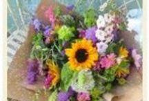 { The Flower Farm } Bouquets, Buckets and Bunches / http://www.theflowerfarmflorist.co.uk/ https://www.facebook.com/theflowerfarmflorist/