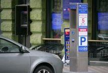Паркоматы «BoxPaySolutions», Одесса, Украина. / Проект платных парковок.  Реализация проекта поможет справиться с проблемой «хаотичного паркования» на улицах Одессы и создать возможность для комфортного передвижения пешеходов и транспорта. Основными задачами проекта являются: Снижение количества нарушений правил парковки; Повышение скорости движения в зонах платной парковки; Увеличение оборачиваемости парковочных мест; Сокращение потоков автотранспорта в пределах платной зоны и стимулирование использования альтернативных видов транспорта.